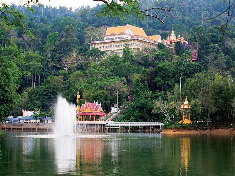 Chaolao Cabana Resort Wat Khao Su-kim(Buddhist Temple)